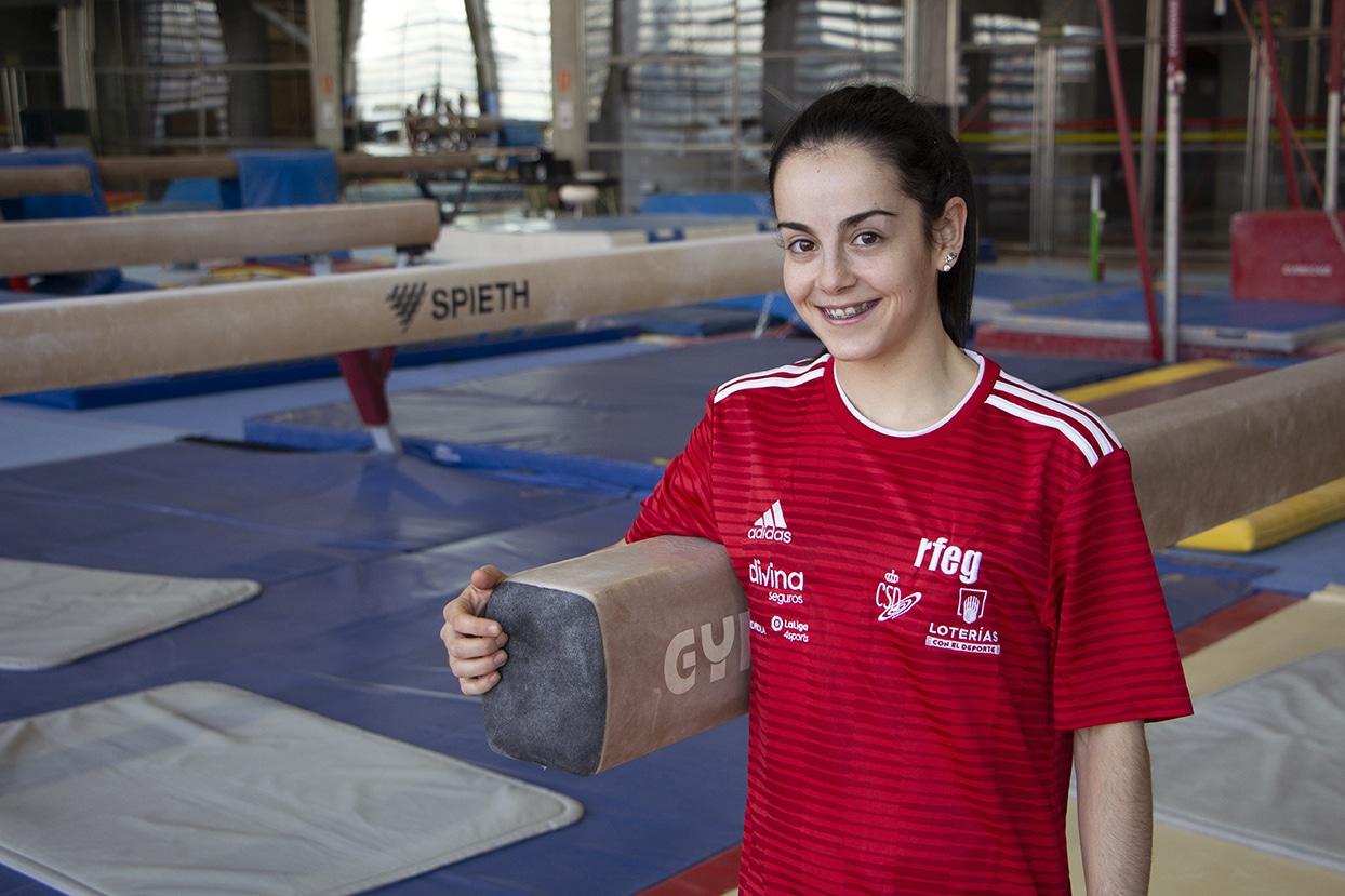 La gimnasta Olímpica Ana Pérez compagina su carrera profesional con su formación en ILERNA Online
