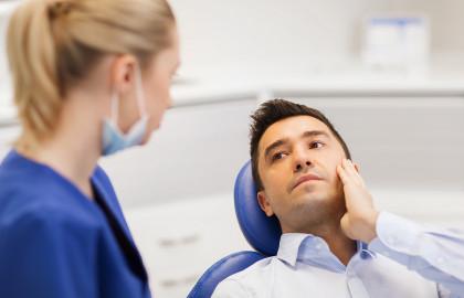El empaste y la endodoncia son dos técnicas para tratar la caries dental.
