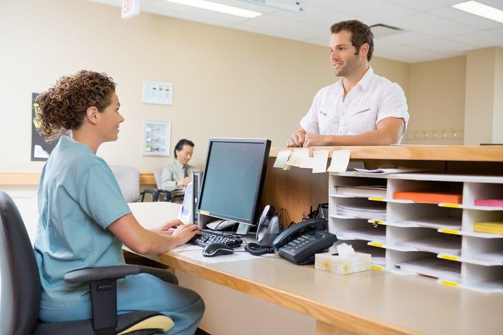 La gestión de pacientes es fundamental para el funcionamiento y la logística de un centro sanitario u hospital.