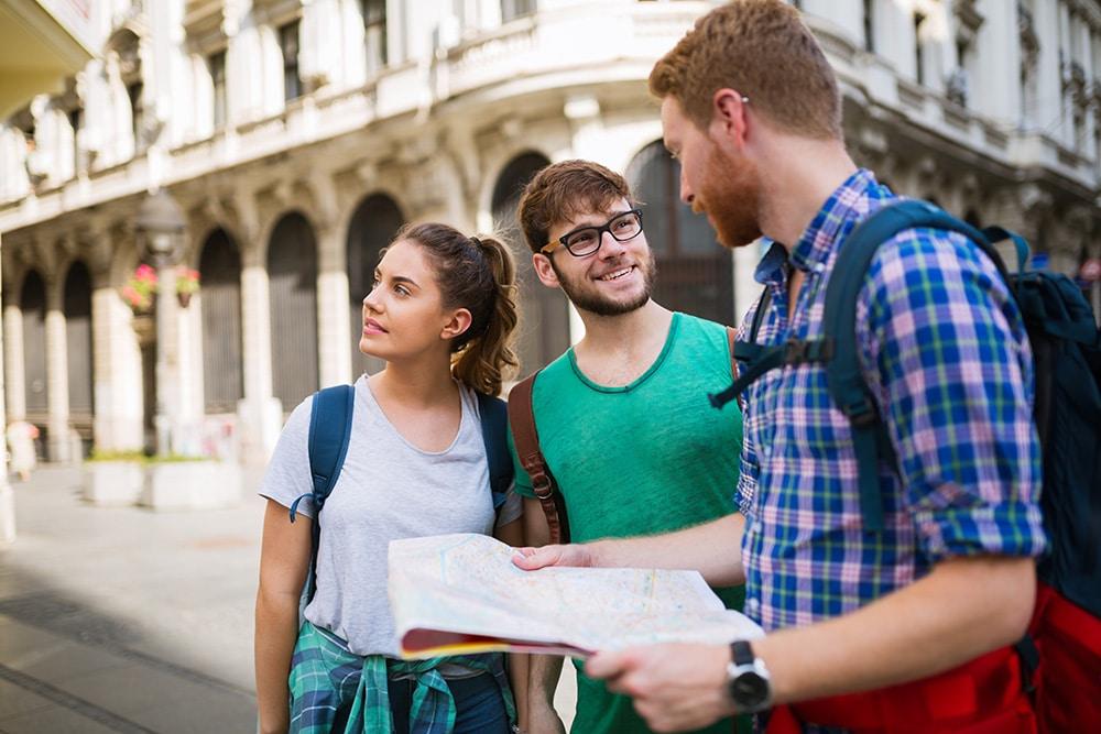 La demanda turística es la cantidad de servicios adquiridos o con intención de adquirir por turistas.