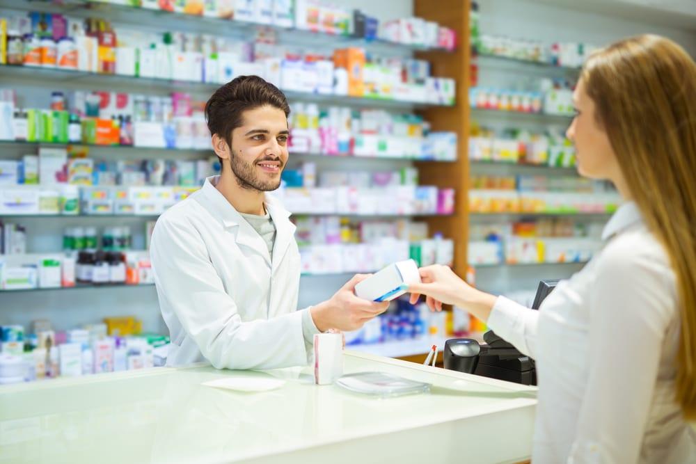 La figura del Técnico en Farmacia y Parafarmacia se ha vuelto clave en el sector farmacéutico